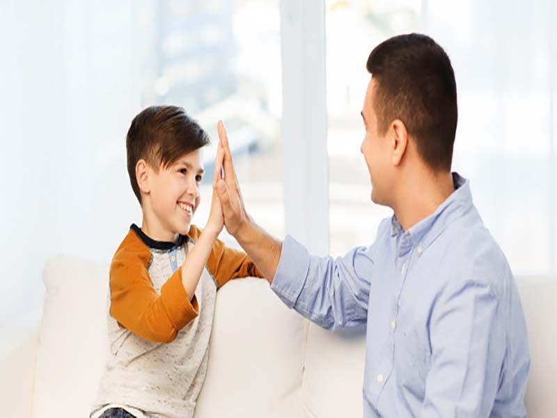 بوس کردن کودک