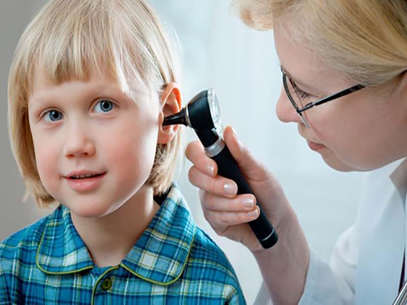علائم کم شنوایی در کودکان