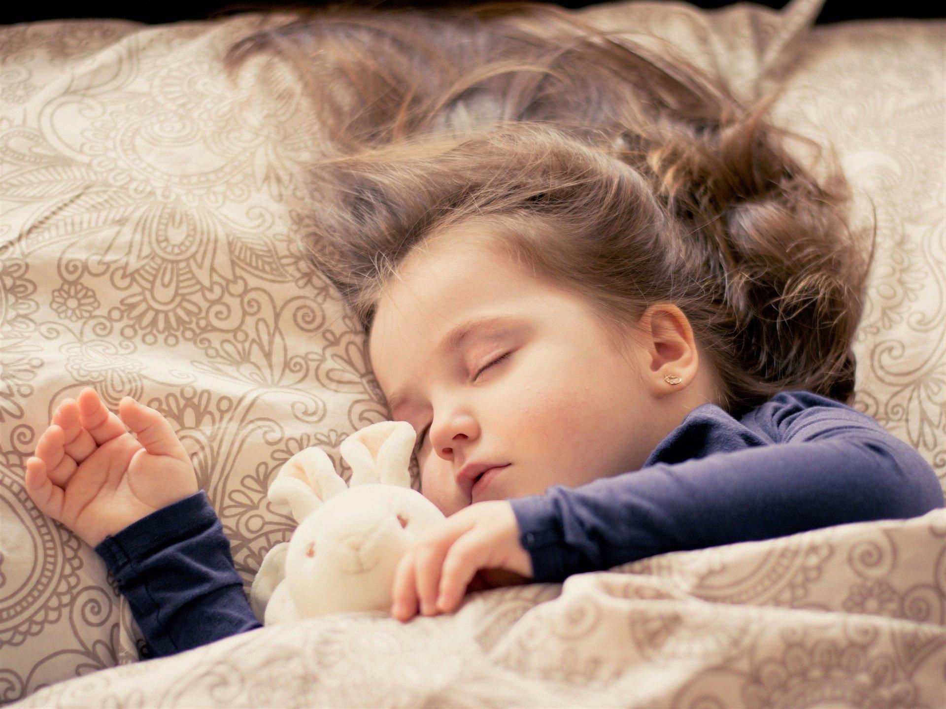 چرا کودکان باید زود بخوابند